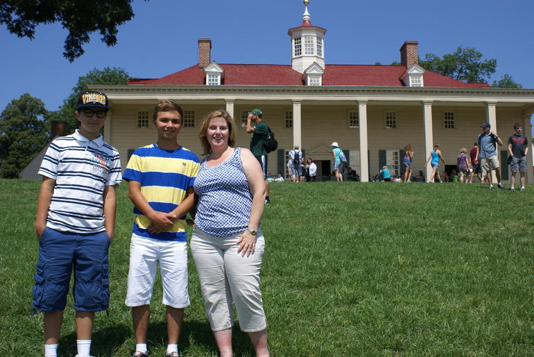 Wife and kids on the lawn at Mt. Vernon - Washington DC