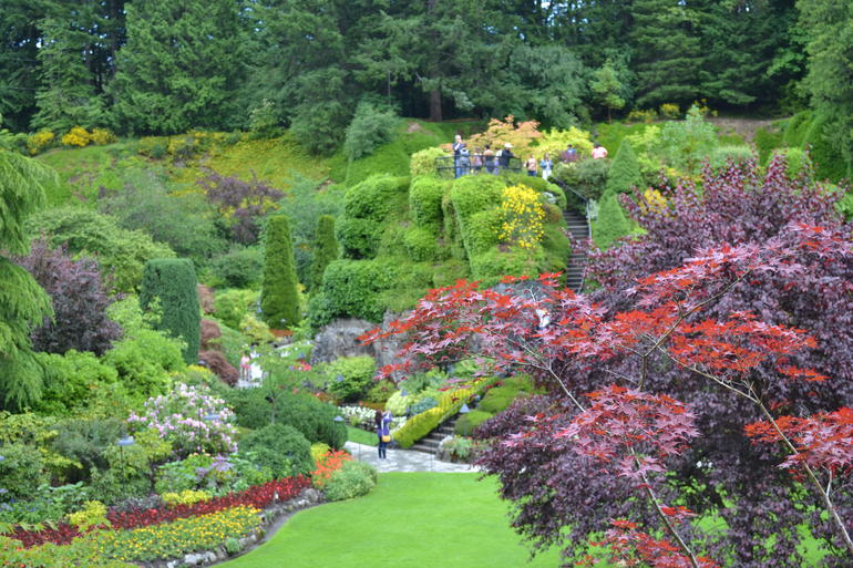 Vancouver to victoria and butchart gardens tour by bus for Jardines butchart