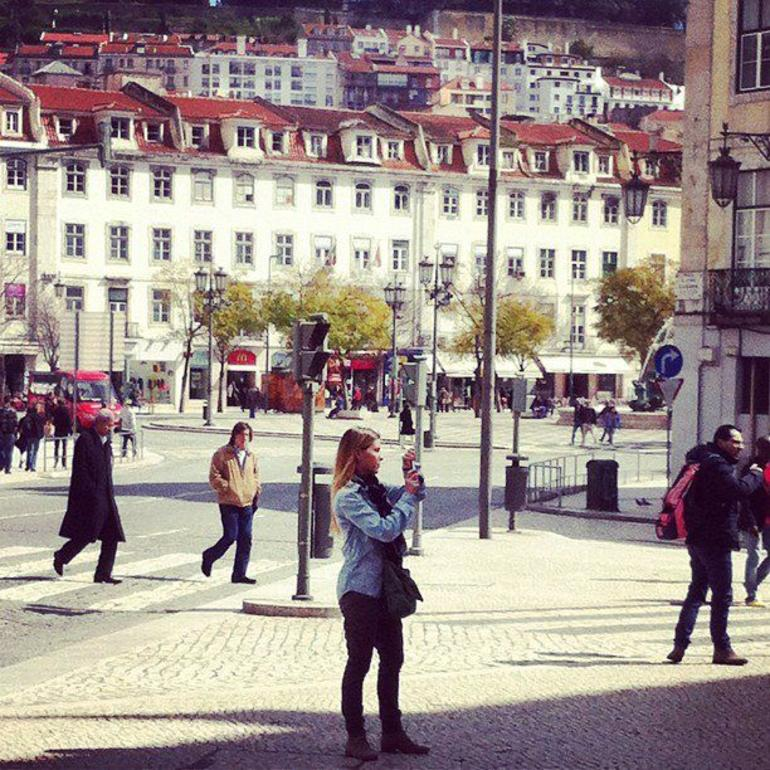 Lisbon walking Food and Wine Tour w/ Margarita -