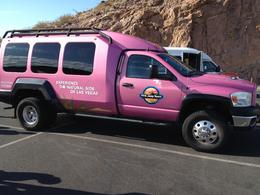 Photo of Las Vegas Grand Canyon West Rim Combo: Luxury SUV, Helicopter and Boat Pink Jeep til 10 personer
