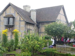 Home to Shakespeare , Vida V W - August 2014