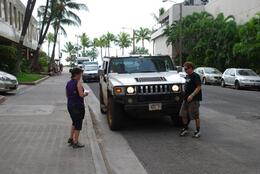 Photo of Oahu Lost Tour and Other Hawaii Movie Locations by Hummer Hummer and driver arrive