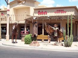 Tourist district of Scottsdale. You can buy a nice things. Enjoy. , MUNEHIRO S - August 2012