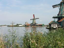 Photo of Amsterdam Amsterdam Super Saver: Zaanse Schans Windmills, Delft and The Hague Day Trip Beautiful Windmills