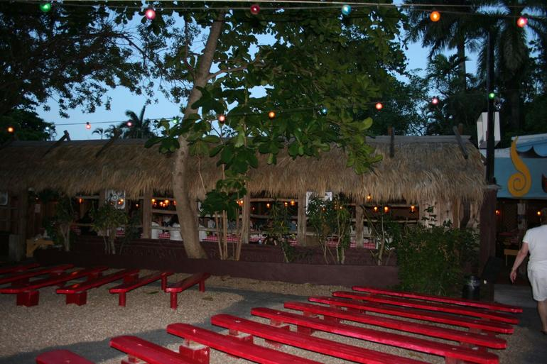 Restaurant and Show - Fort Lauderdale