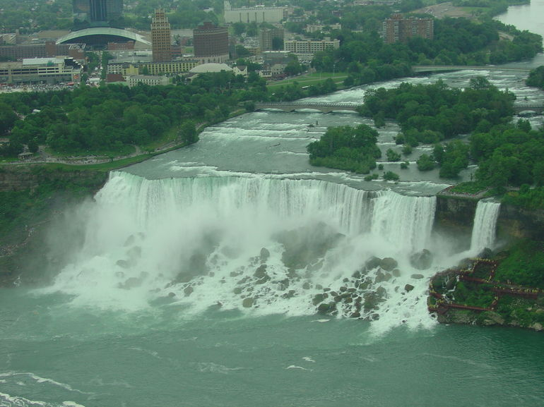 U S Falls from Helicopter, Niagara Falls