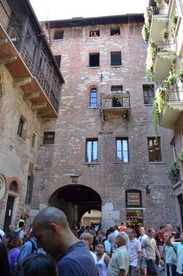 Photo of Verona Verona City Hop-on Hop-off Tour Juliet's courtyard