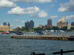 Abflugplatz Downtown Manhattan Heliport , Barbara P - June 2014