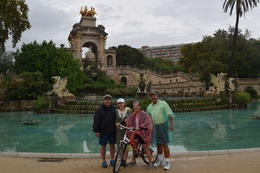 Photo of Barcelona Barcelona Half-Day Bike Tour Fountain in the Park