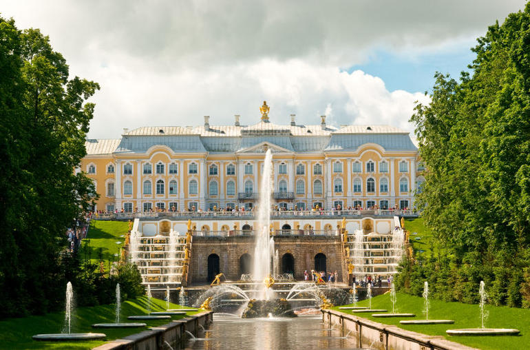 Grand Cascade and Palace in Peterhof, St Petersburg - St Petersburg