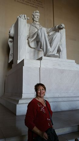 Priscilla next to President Lincoln, vra2003 - April 2015