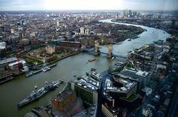 With HMS Belfast and Tower Bridge in the foreground, the view East towards Canada Square and Docklands, from the upper of the two viewing floors. , Michael Y - February 2013