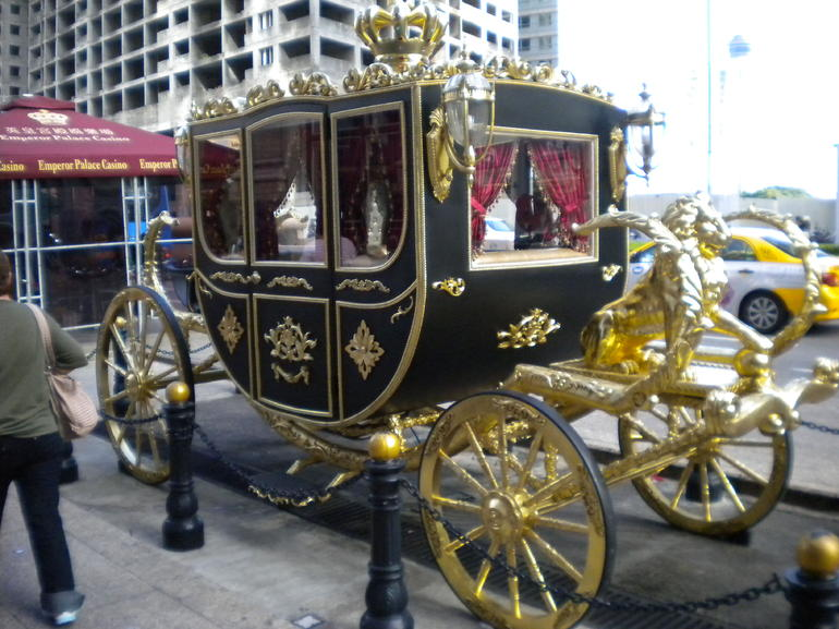 Coach in front of a Macau Casino - Hong Kong