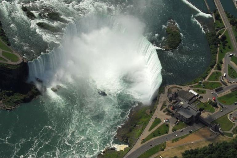 Niagara Falls Helicopter Tour - New York City
