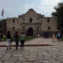 It is a picture of the Alamo. If you go early, there is no line. After 10:00 AM, the line is long. , Nancee O - August 2015