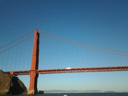 Going under the Golden Gate Brid a real buzz - a must do! , Kim - September 2013