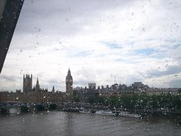Big Ben as seen from the eye on a rainy day., Alfred M - July 2008