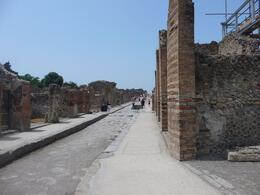 A shot of a street in Pompeii, Kenneth K - July 2009