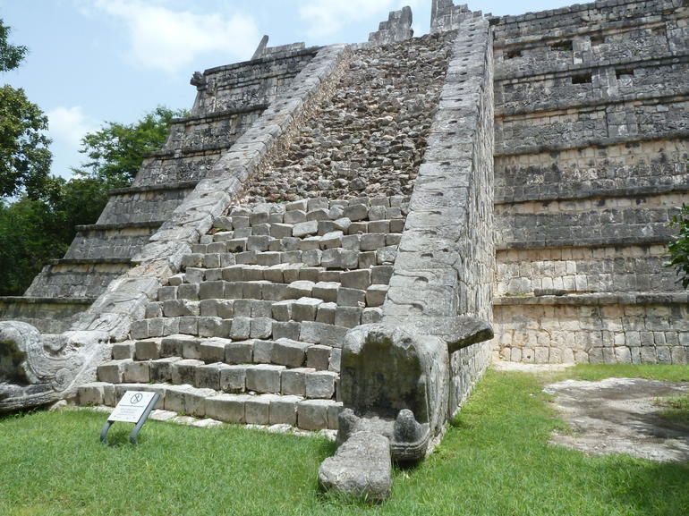 The smaller Castillo - Riviera Maya & the Yucatan