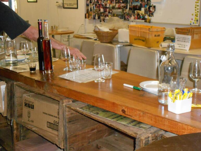 EDGECOMBE BROTHERS WINERY - Perth
