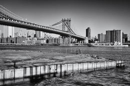 Photo of New York City Shared Arrival Transfer: New York Airports to Hotel Manhattan Bridge