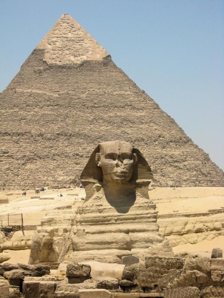 Pyramid of Kephren and Sphinx - Cairo