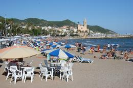 The beach in Sitges, George R - October 2010