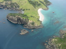Photo of Bay of Islands Bay of Islands and Hole in the Rock Scenic Helicopter Tour View6