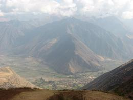 We stopped on the way to Ollantaytambo to take pictures. Beautiful view of a valley., Bandit - December 2010