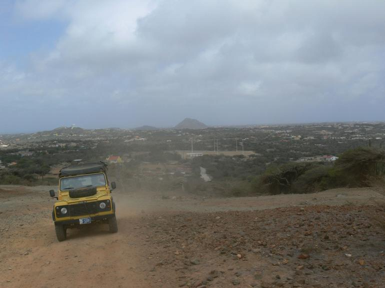 Trailing behind - Aruba
