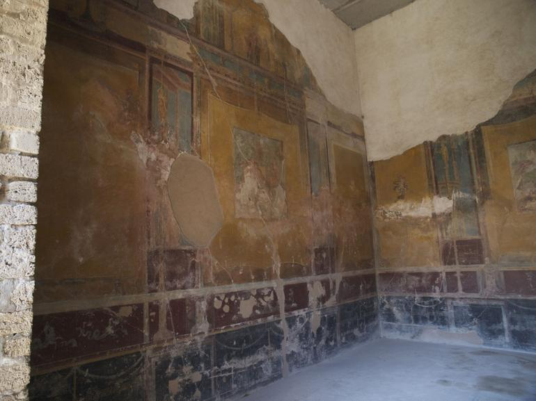 A Palatial Dining Room - Rome - Rome