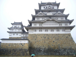 They say Himeji is a happy castle, it's always smiling at you., kellythepea - October 2010
