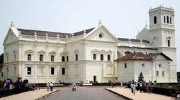 Photo of Goa Private Portuguese Heritage Tour: Se Cathedral, Basilica of Bom Jesus and Dona Paula Beach in Goa Se Cathedral