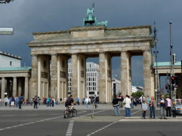 Brandenburg Gate from the West Berlin side., kellythepea - October 2010