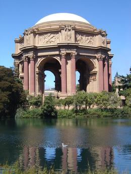 Palace of Fine Arts: Not a stop on this tour but a drive by. Taken on my own walking tour. - August 2009