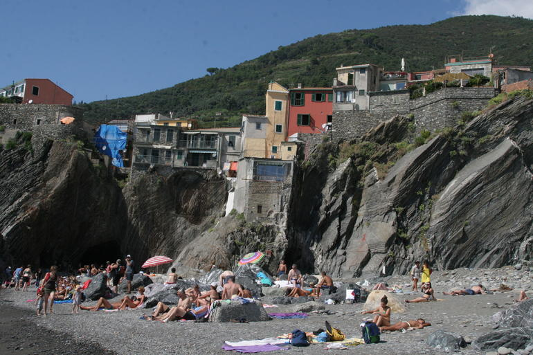The beach in Vernazza - Florence