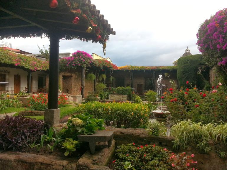 Colonial Style Courtyard - Guatemala