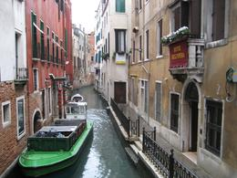 Beautiful canals. The water was nice and fresh. - December 2008