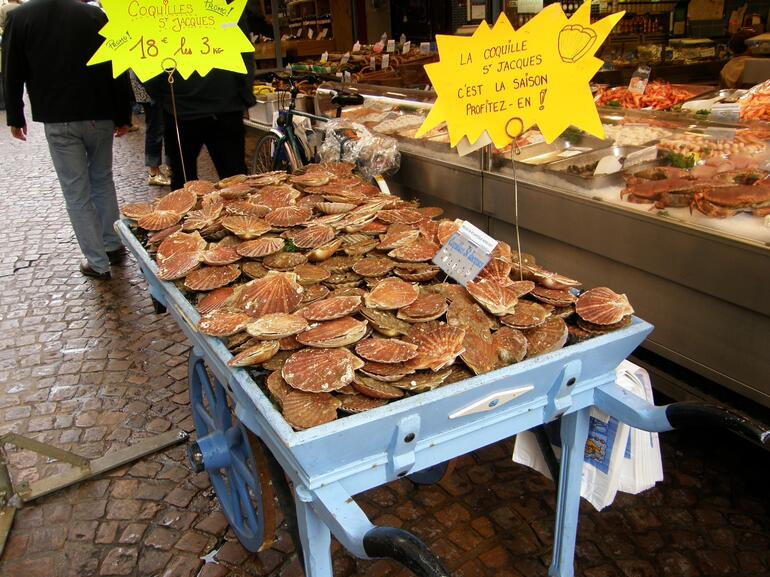 Food Markets in Paris - Paris