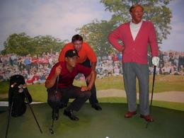This is Smitty - world's 2nd greatest golfer - helping the #1 golfer line up his putt...., Keli S - November 2007