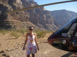Photo de Las Vegas Grand Canyon : sortie en hélicoptère typiquement américaine Landed in the Canyon