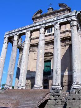 Photo of Rome Skip the Line: Ancient Rome and Colosseum Half-Day Walking Tour Small Temple