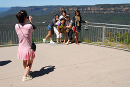 Here's a typical site - tourists off the bus, take a photo, head back to Sydney! , Jeff - December 2010