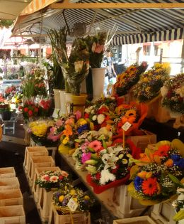While there are plenty of food stands with delicious wares, it is after all the Marche aux Fleurs -- a flower market. , Boris G - September 2015