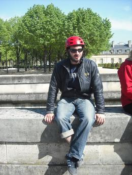 Seth our guide telling us some funny facts about Paris as we take a little break from the segway, Frances - April 2010