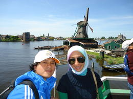 Photo of Amsterdam Amsterdam Super Saver: Zaanse Schans Windmills, Volendam and Marken Half-Day Tour plus Keukenhof Gardens Tour Windmill