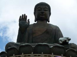 A more intimate photo of the Giant Buddha , Tien P - June 2012