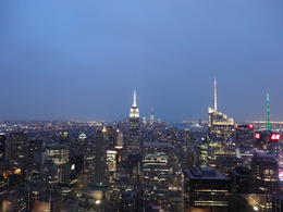 Photo of New York City Top of the Rock Observation Deck, New York L'ESB à la nuit tombante