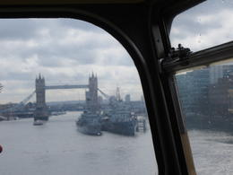 Photo of London Vintage Double Decker London Tour with Thames Cruise Le pont symbolique de Londres.