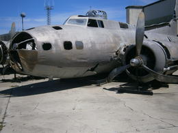 At the Pearl Harbour aircraft museum , Roger D - August 2014